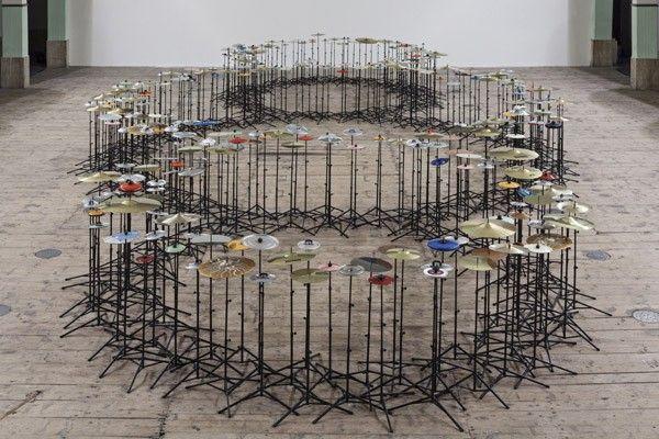 Michelangelo Pistoletto, Terzo Paradiso, 2003 - 2017, 346 cymbals, lids, 120 x 640 x 1120 cm (approx). Galleria Continua San Gimignano, 2013. Photo by Ela Bialkowska.