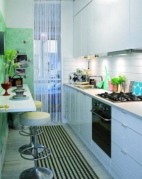 C mo decorar cocinas alargadas cocinas cocina peque a y for Como amueblar una cocina pequena