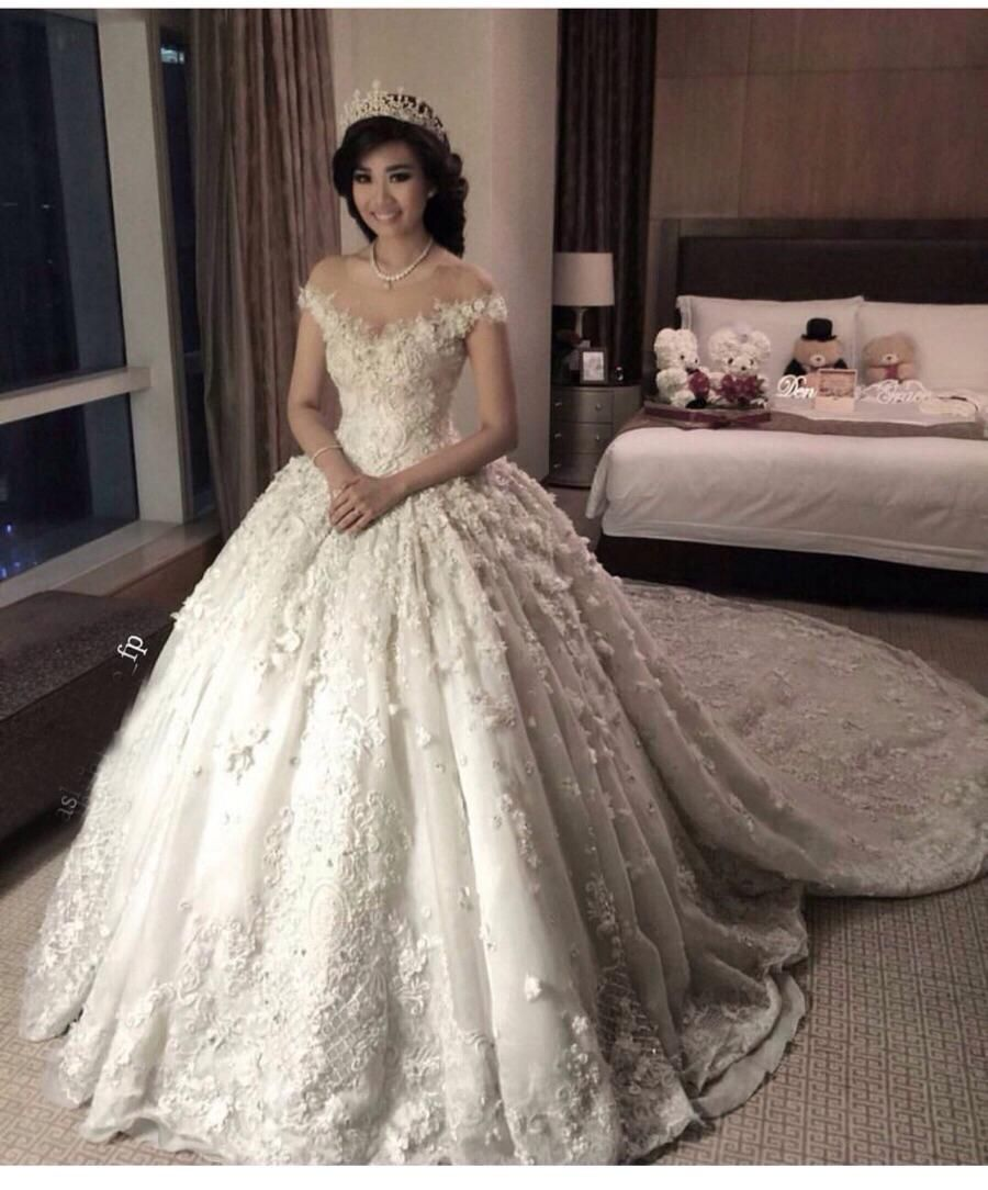Pin by Tiara Leidy on Most Beautiful Wedding Gowns Ever  bf41b54d21af