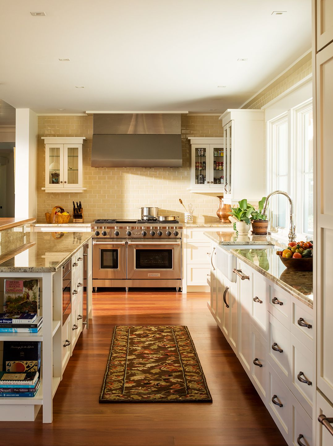 Galley Style White Kitchen With Mahogany Floors With Images Coastal Kitchen Architect House Kitchen Styling