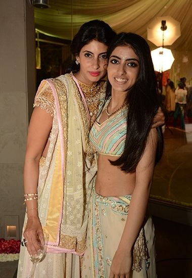 Shweta Nanda With Daughter Navya Naveli At Naina Bachchan S Wedding