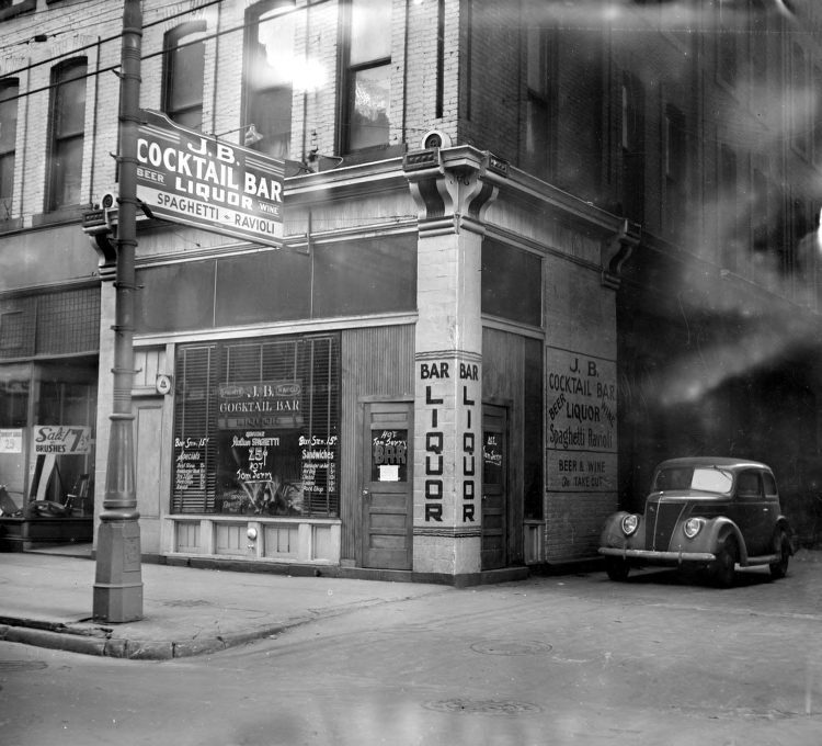 Historic Happy Hours Century Old Images Of Detroit Bars Detroit Bars Detroit History Old Images