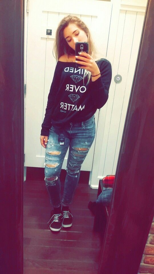 Mined over matter  #diamomd #jeans  #booty  #vans  #style #fashion