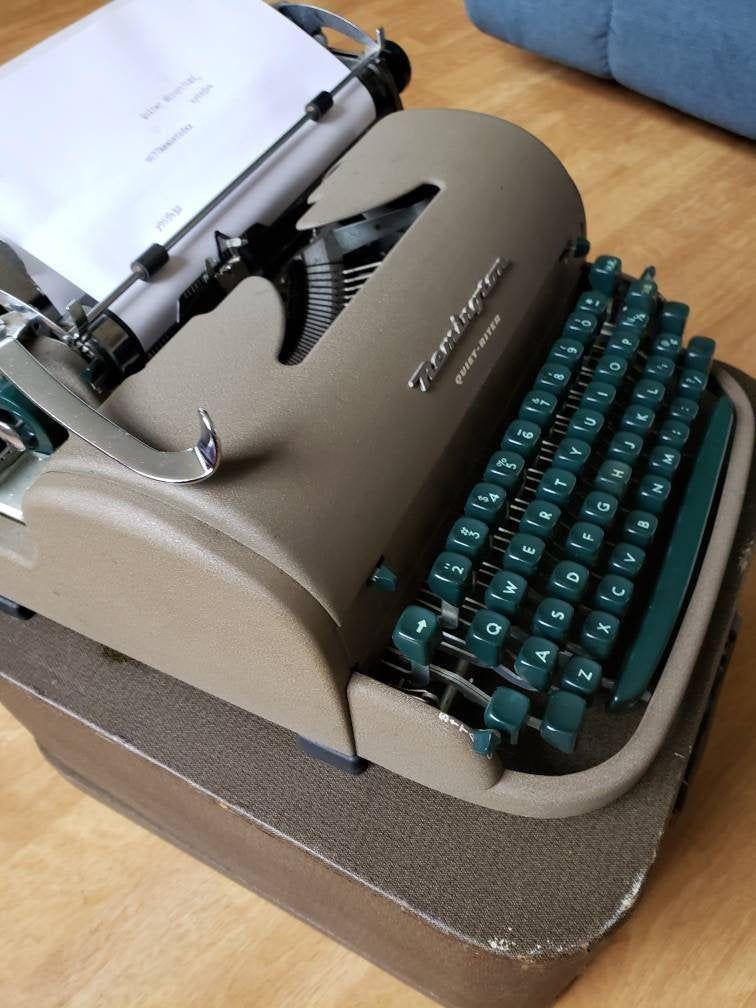 Vintage Manual Typewriter Good Ribbonworking Typewriter Etsy Working Typewriter Typewriter Portable Typewriter