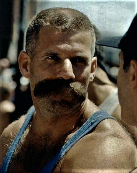 Bryst skæg dating