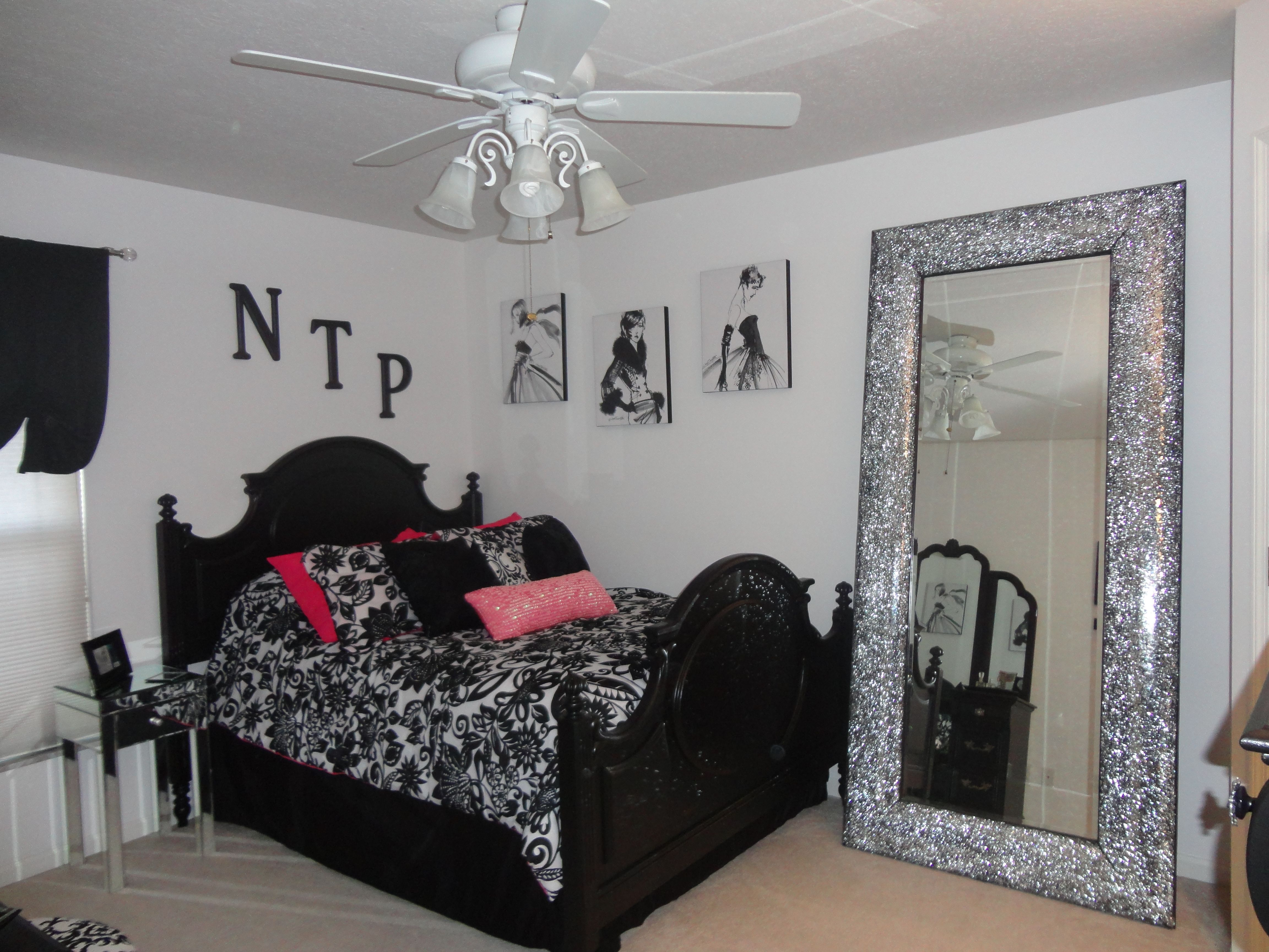 Black white and pink bedroom home decor pinterest - White black and pink bedroom ...
