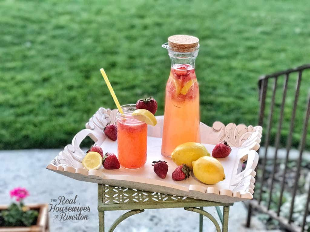 Homemade Strawberry Lemonade Recipe - Housewives of Riverton