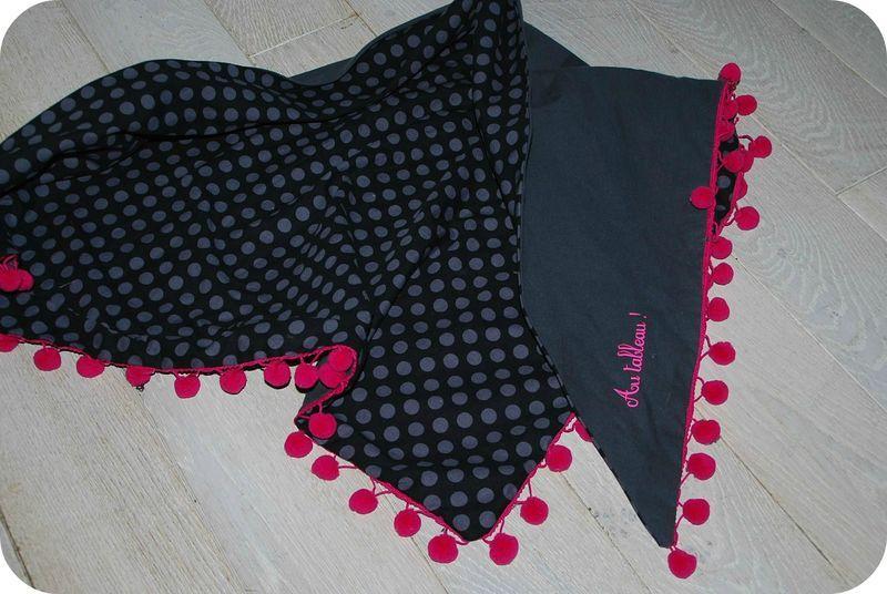 Mon foulard à pompons… – Au tableau !