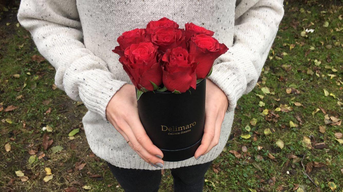 Flowerbox Czerwone Roze W Czarnym Pudelku Delimaro Ugg Boots Boots Uggs