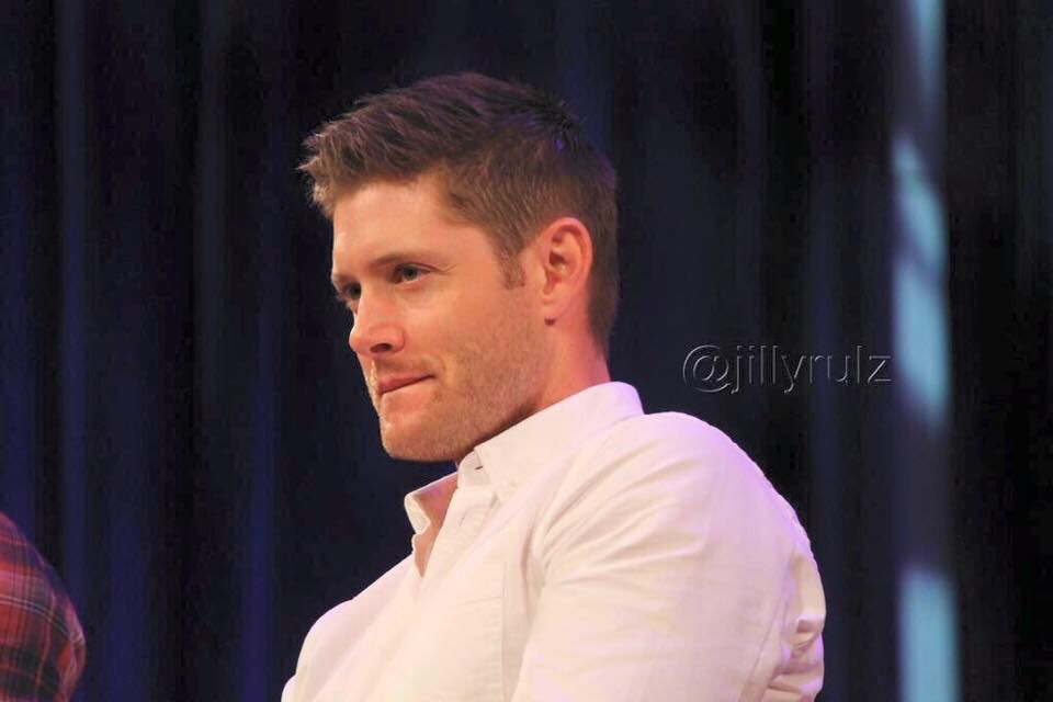 Jensen at MinnCon2015 doing the lip bite thing. All is right with the world. Credit:jillyrulz