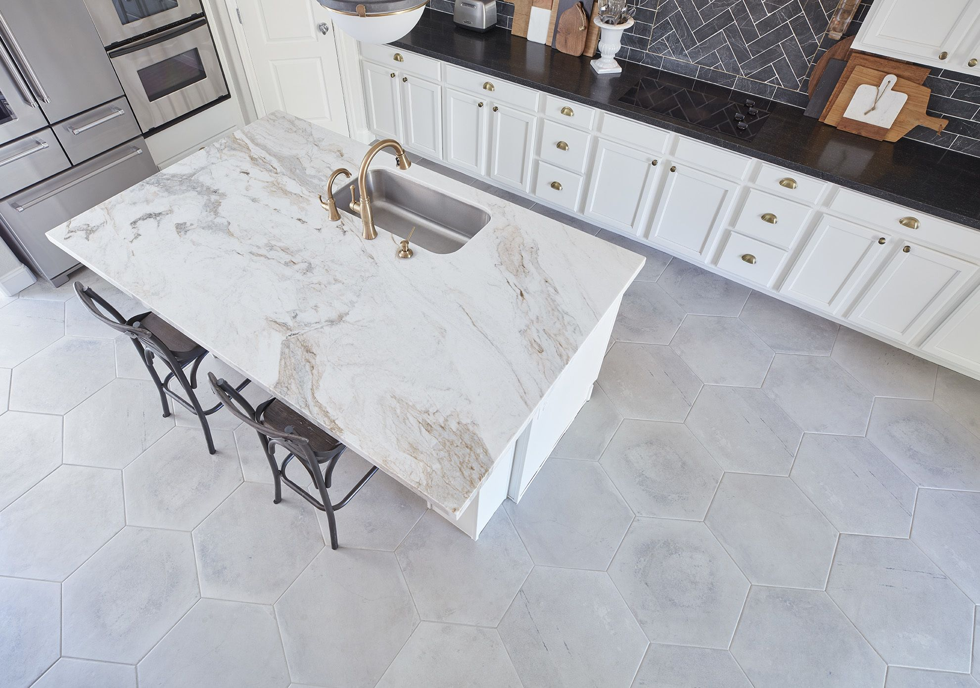 Tile Looks Like Concrete Don T Like The Shape But Like The Material And Color Trendy Kitchen Tile Kitchen Decor Apartment Cheap Kitchen Decor