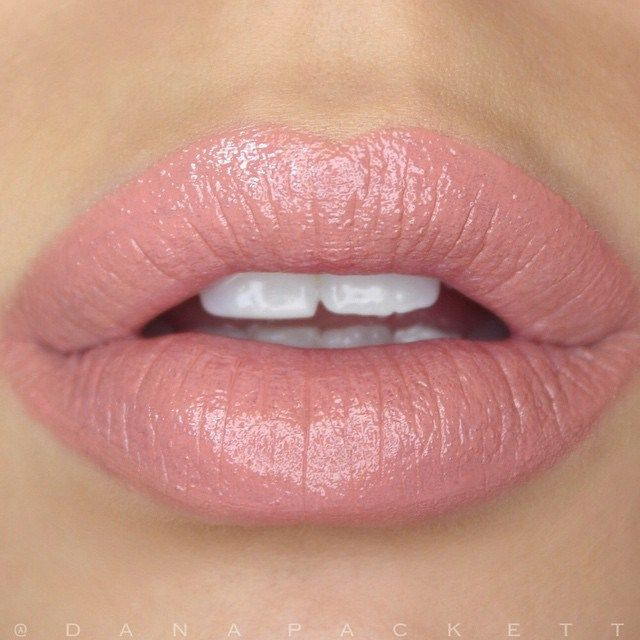 Gorgeous nude lip with a soft color undertone