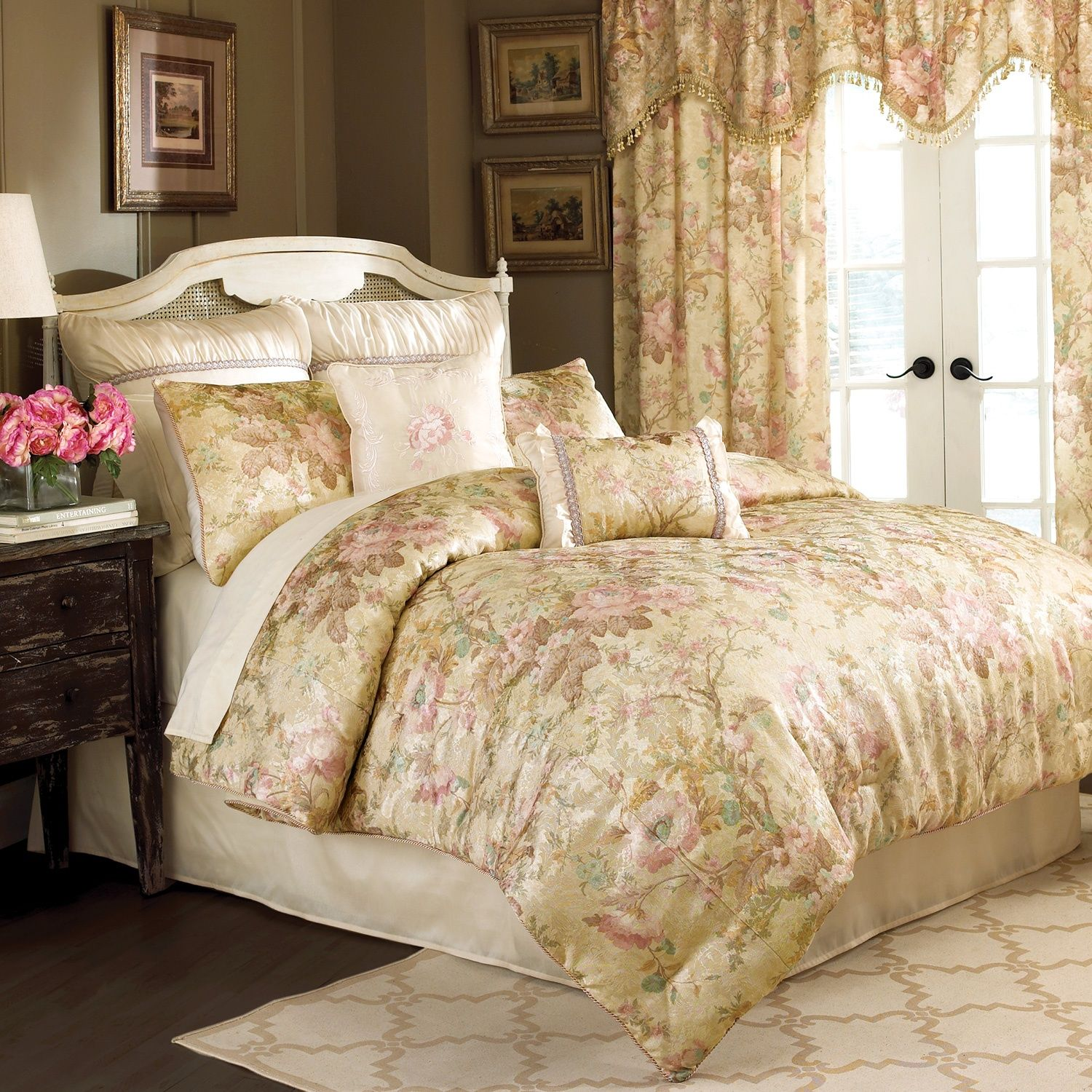 Rose Fashion Store Home: Croscill Chapel Hill Rose Garden Bedding