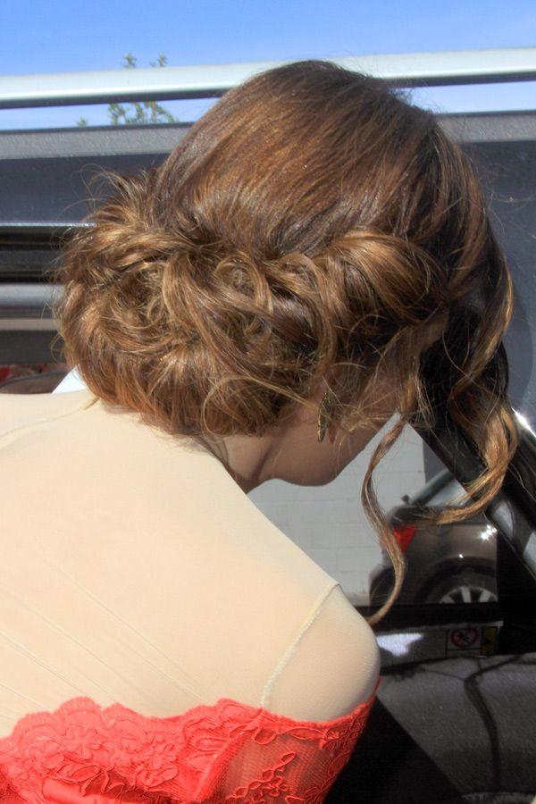 En una tendencia ascendente peinados para vestido rojo Fotos de cortes de pelo tutoriales - El total look rojo de Jessica Bueno #vestido #bodas # ...