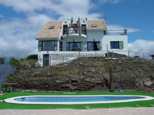 Casa rural en torrox para 10 personas y con piscina for Casa rural para 15 personas con piscina