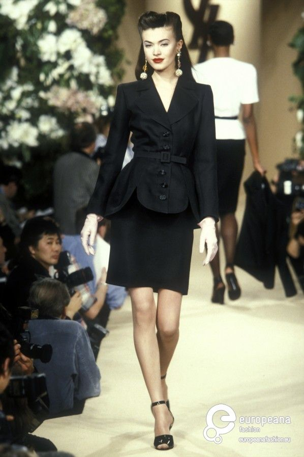 cdd39a4d8f7 Yves Saint Laurent, Spring-Summer 1996, Couture | 90s in 2019 ...