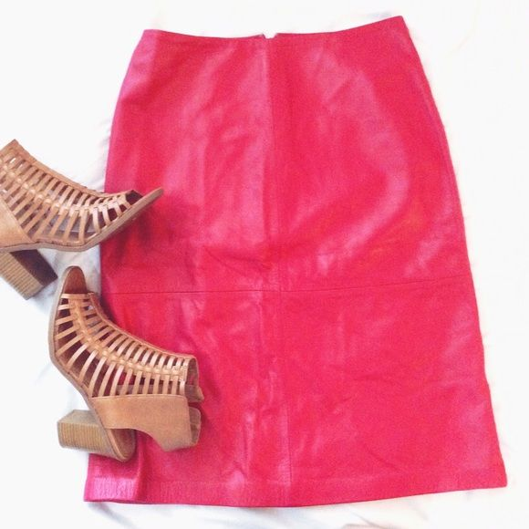 HOST PICK 2/8/16 Genuine leather pink skirt Cute or sexy, this pink leather skirt by Gap is a perfect winter to spring transitional piece as it can be worn with darker colors (boots and tights) for winter weather or with airy white and light colored pumps for Valentine's Day. ❤️❤️❤️❤️ GAP Skirts Midi