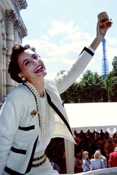 Ines De la Fressange en Chanel, la quintessence de la Parisienne !