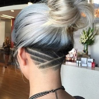 "Most Followed Undercut Page on Instagram: ""Intense #undercut #buzzcut  #barberart #girlswithshavedheads #napeun… | Cabelo raspado, Cabelo rapado,  Tatuagens de cabelo"