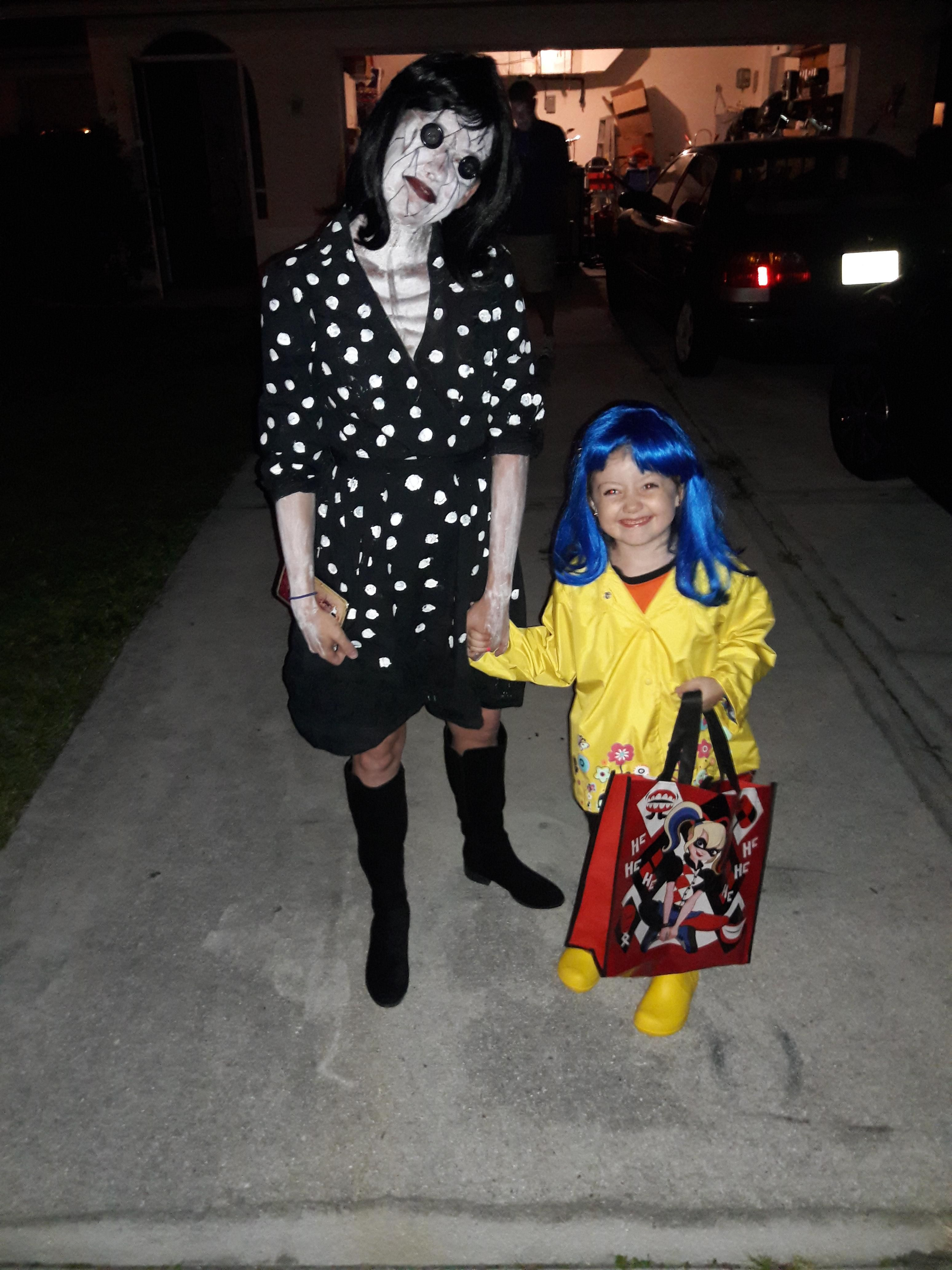 My Daughter And I Nailed Coraline And The Other Mother Https I Redd It K14mey8r4dvz Jpg Mothers Costume Halloween Costumes Women Halloween Costumes