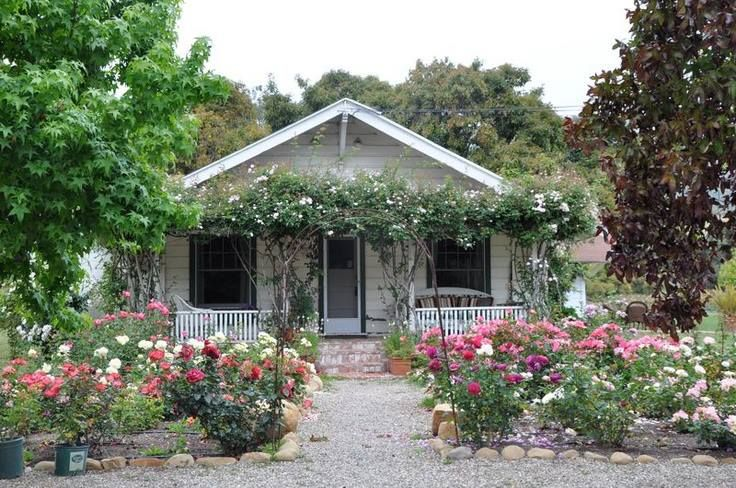 Little Country Cottage With Big Garden Cute Cottage Little Cottages Cute House