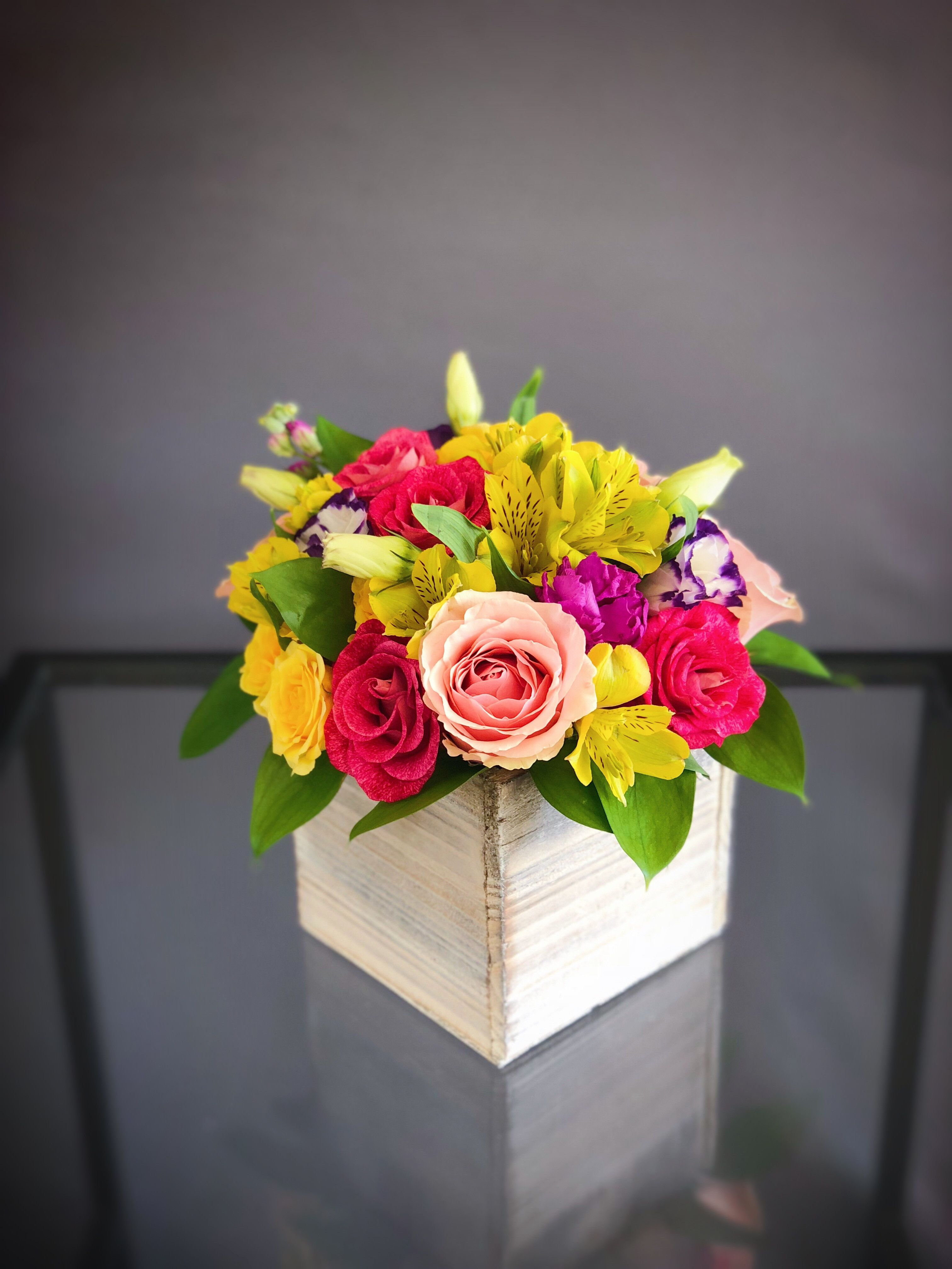 25 Bright Wood Box arrangement small Flower