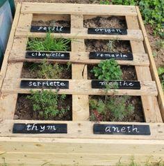 potager plante aromatique en palettes tuto diy aromatic plants in their jardins. Black Bedroom Furniture Sets. Home Design Ideas