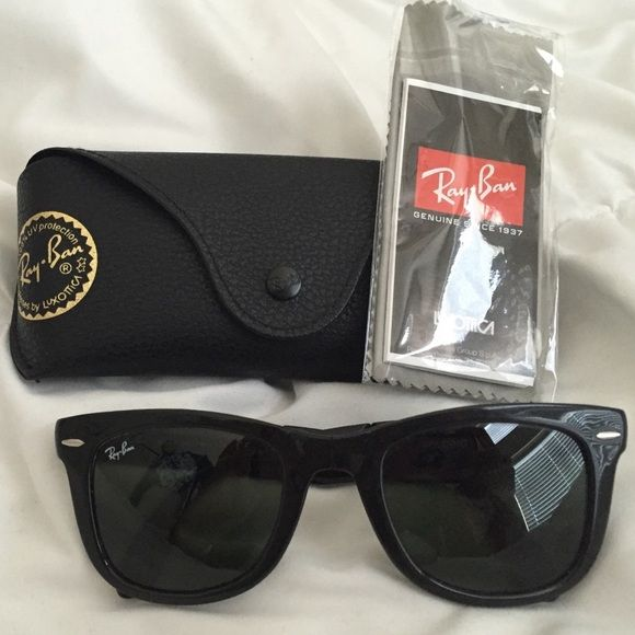 6b005594c32 Ray Bans Black Folding Wayfarer Black Ray Bans and case with cleaning cloth  Ray-Ban Accessories Sunglasses