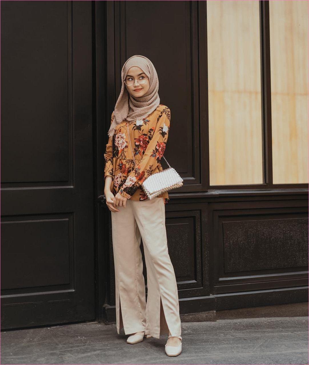 Outfit Baju Hijab Casual Untuk Ke Kantor Ala Selebgam 11 kemeja