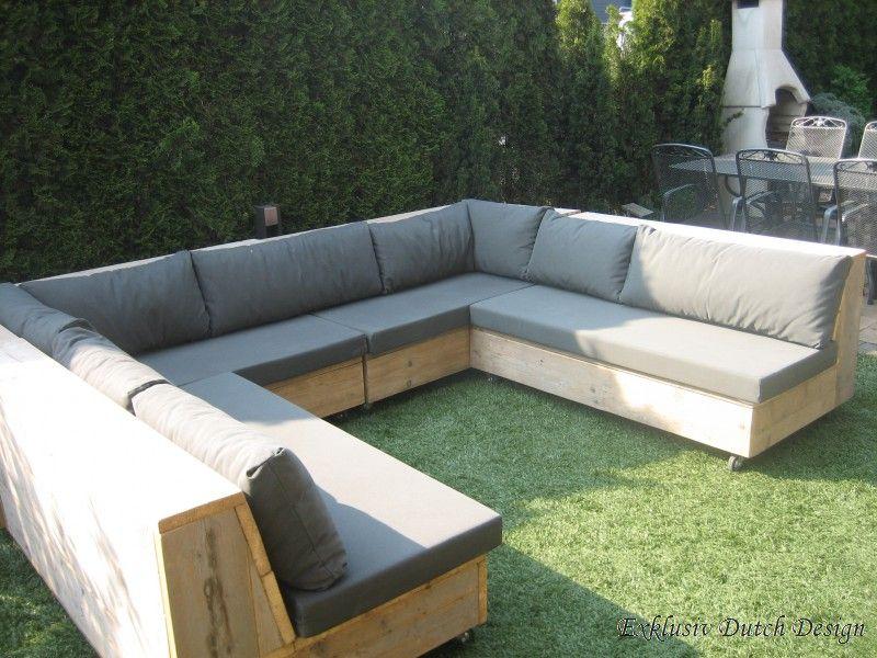 Lounge möbel selber bauen  U-Loungebank Hofbieber ermöglicht mit seiner schrägen Rückenlehne ...