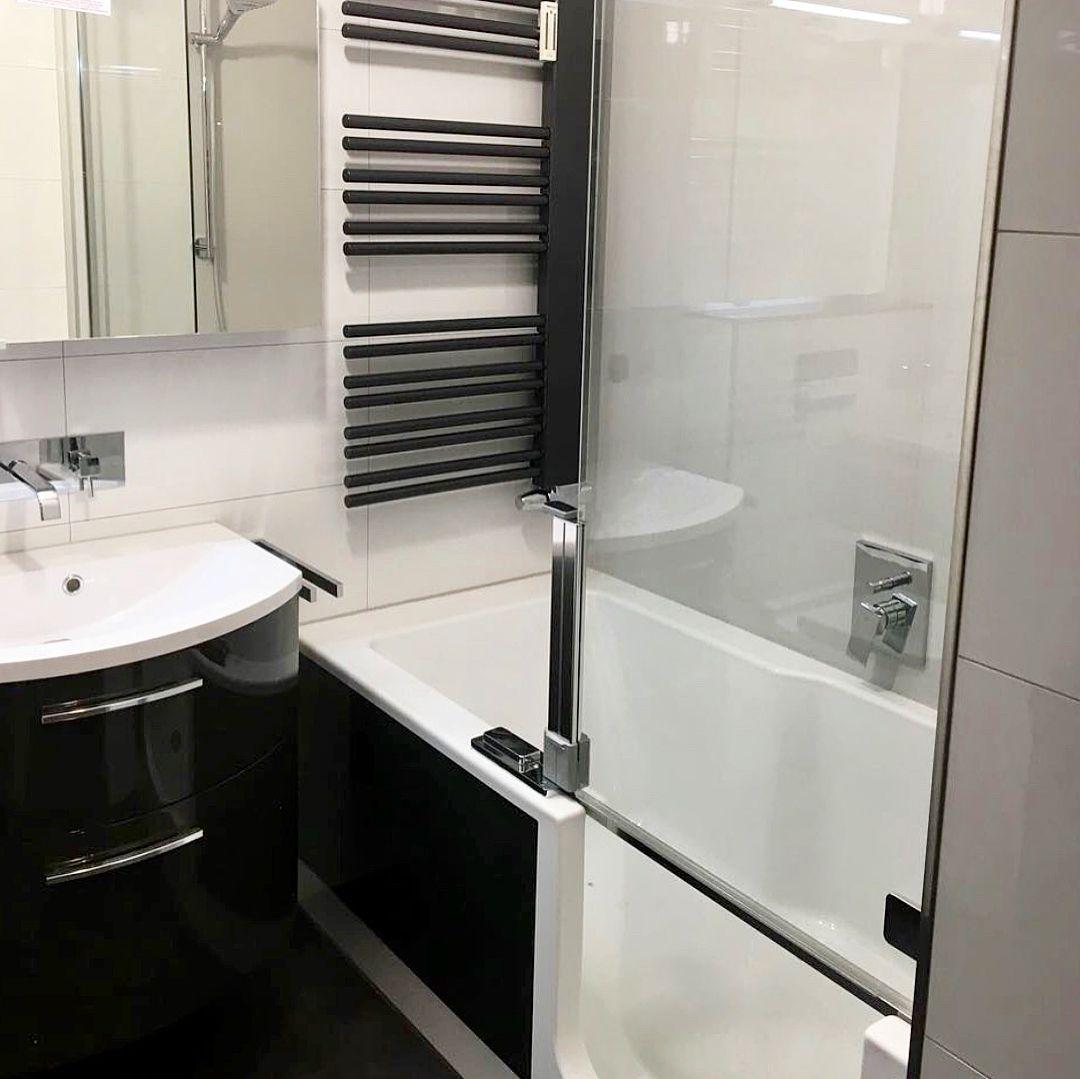 aus dem in die jahre gekommenen blauen bad mit badewanne wird ein zeitloses komfortbad mit dusch. Black Bedroom Furniture Sets. Home Design Ideas