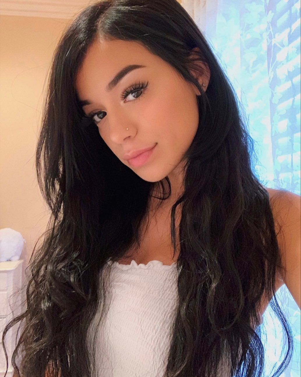 Savannah Sixx On Instagram Happy Monday Have You Guys Checked My Twitter Out For Today S New Scene Hair Styles Long Hair Styles Savannah Chat