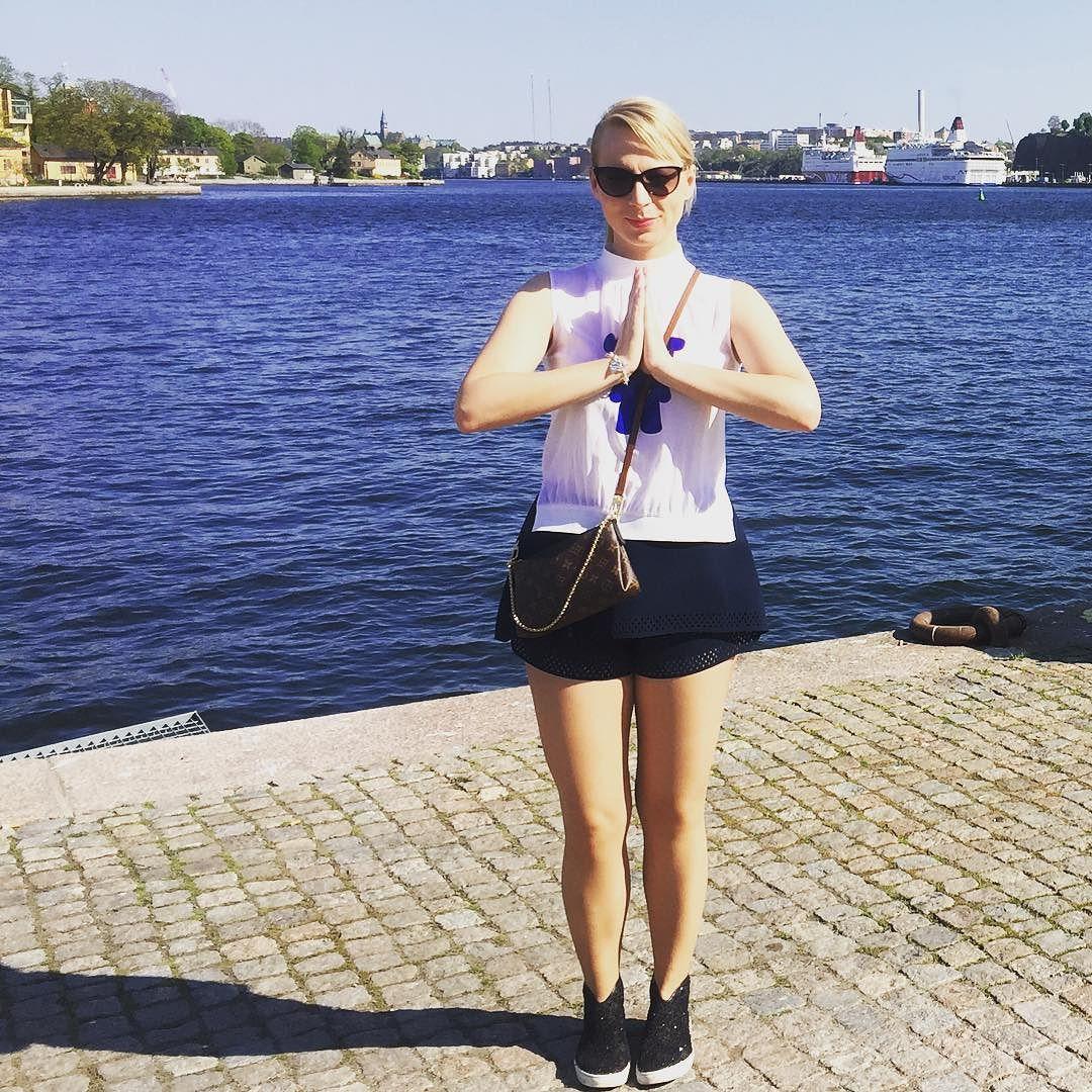 Stockholm jag älskar dig!  #stockholm #sweden #jagälskardig #lovethiscity #esc2016 #blueandred #twodaysleft #timeofmylife by manuellamusic #Eurovision #Eurovision2016