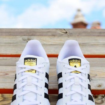 adidas superstar blancas con rayas negras