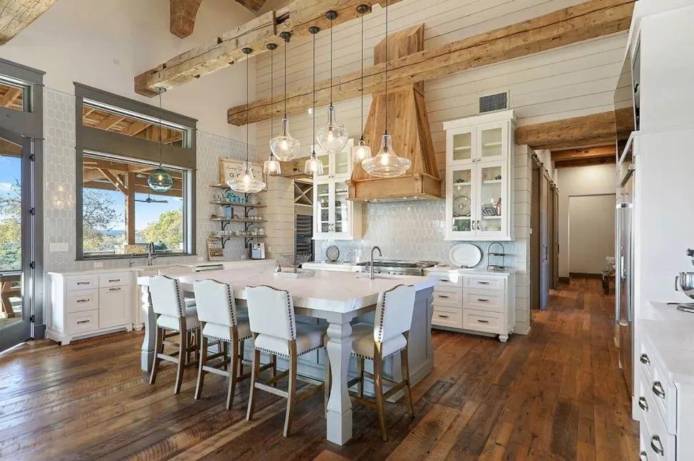 Small Modern Farmhouse Plans To Build Your Dream House 23 #smallmodernfarmhouseplans