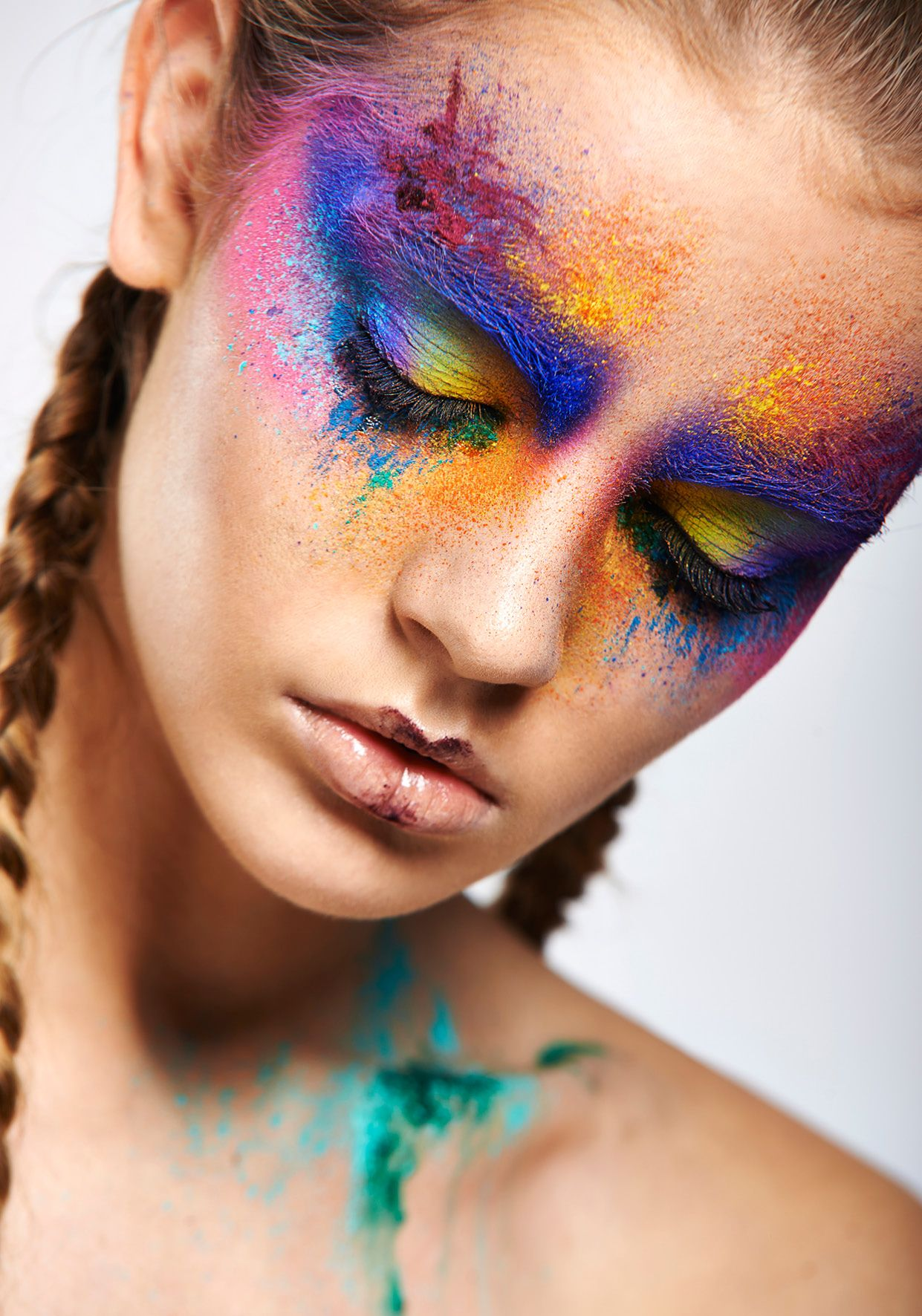 Cincinnati based freelance makeup artist, Down To Earth