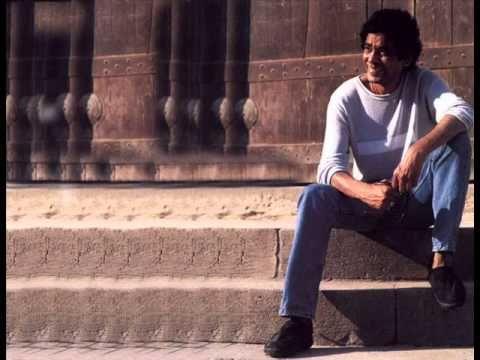 Mohamed Mounir Embareh Kan Omry Eshreen محمد منير امبارح كان عمرى عشرين Singer Songs Music