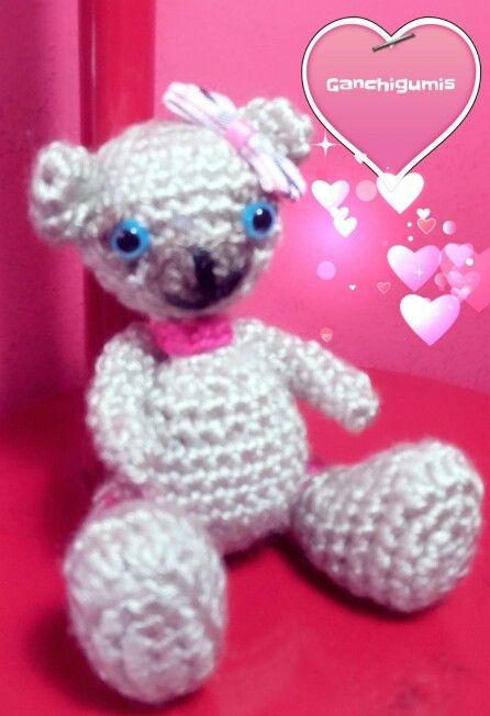 Cute bear by Cintia Ganchigumis