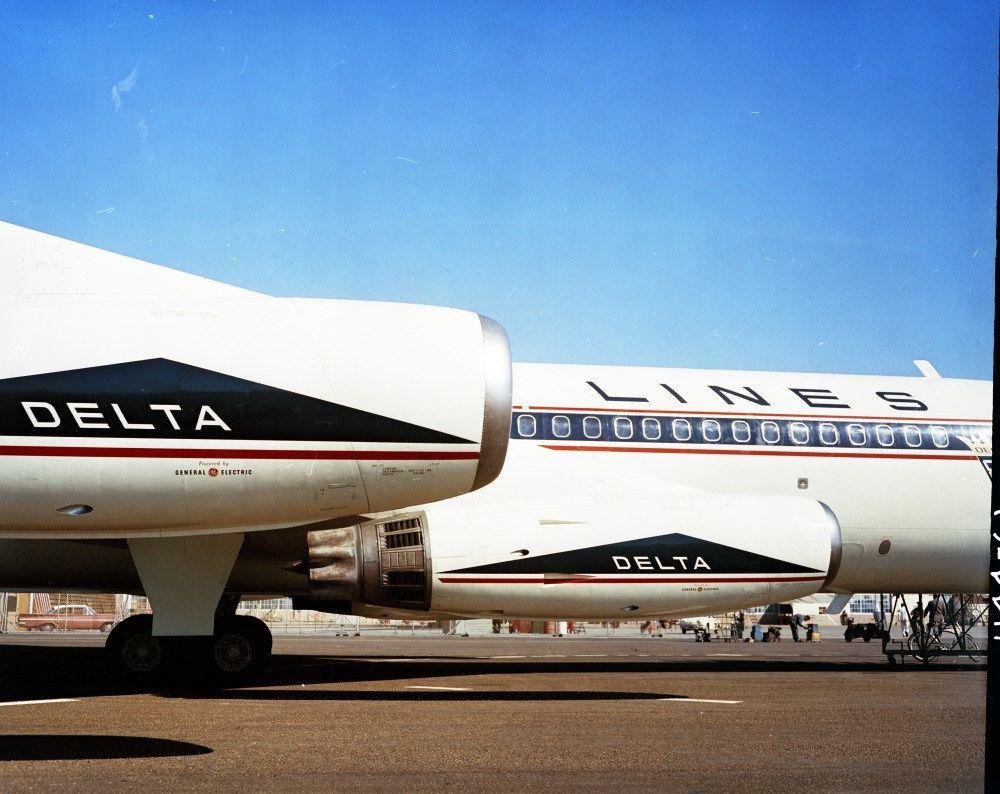 Convair 880 114461 Delta AL 1961 Vintage aircraft