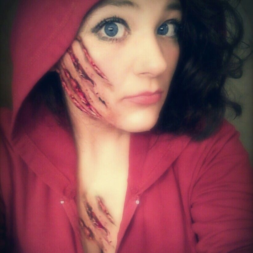 Diy little red riding hood halloween make up bubblegum - Zombie scars with glue ...