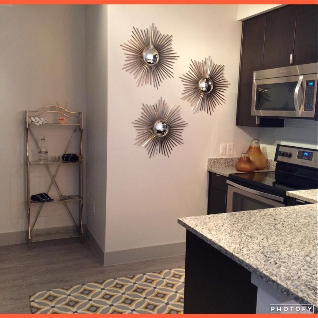 #Makingmoves Monday! Starting the week off right with this beautiful 2 bedroom 2 bath for $2379 a month 1242 square feet. TWO MONTHS FREE (pro-rated to $2013ish a month) $99 application and admin. fee! Call or Text Kristi @ (972) 515-9123 #Luxury #DallasApts