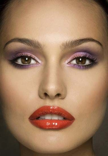 Purple Eye Shadow Red Lipstick This Is How I Do My Make Up