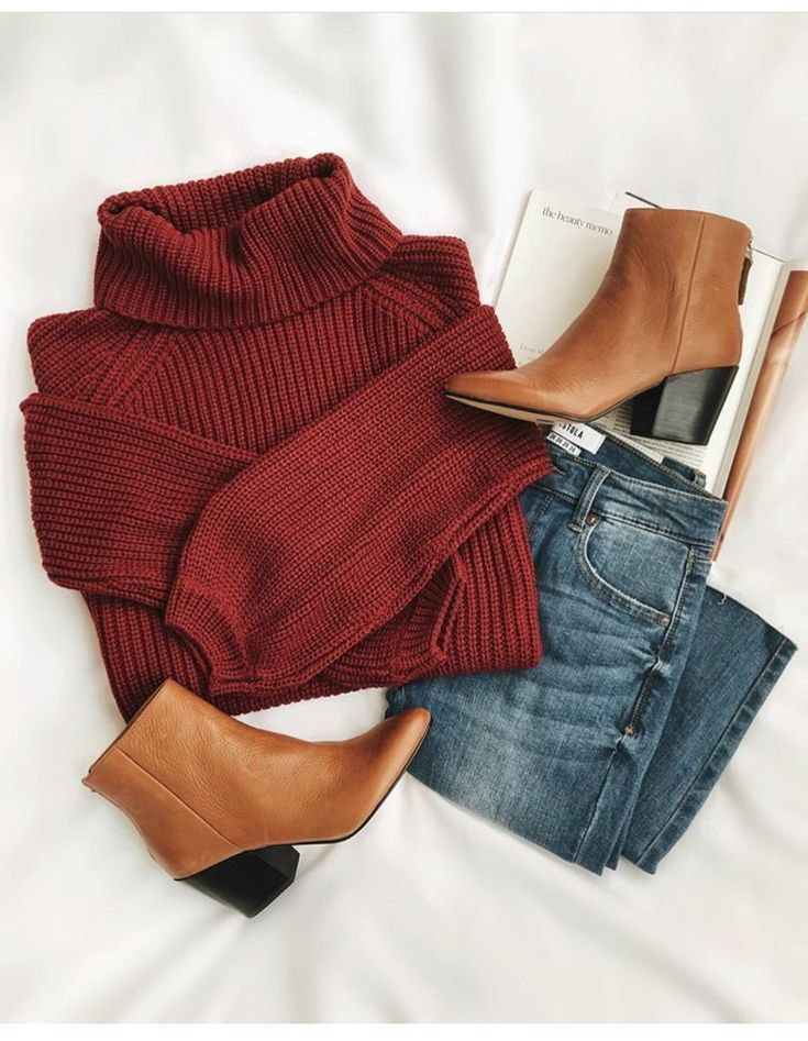 """Photo of TracyM   Outfits & Daily Inspo on Instagram: """"I feel like I've been wanting to wear skirts a lot more lately.  What are your go to outfits for when you want to dress cute I  autumn? . .…"""""""