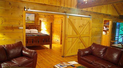 Log Cabin Near Chimney Rock, Asheville And Lake Lure North Carolina