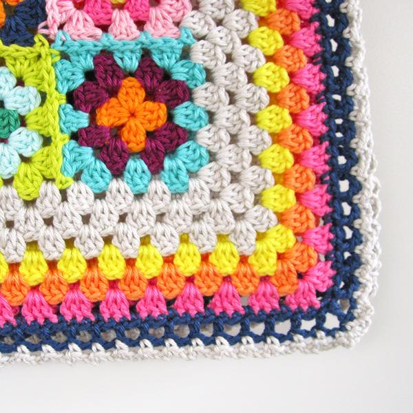Travel Granny Scraps Blanket Nice, simple edging | crochet-knitting ...