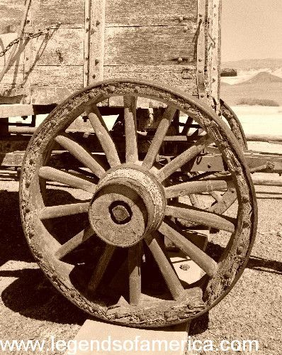 Old wagon wheel | Old Western Photos | Pinterest | Wheels ...
