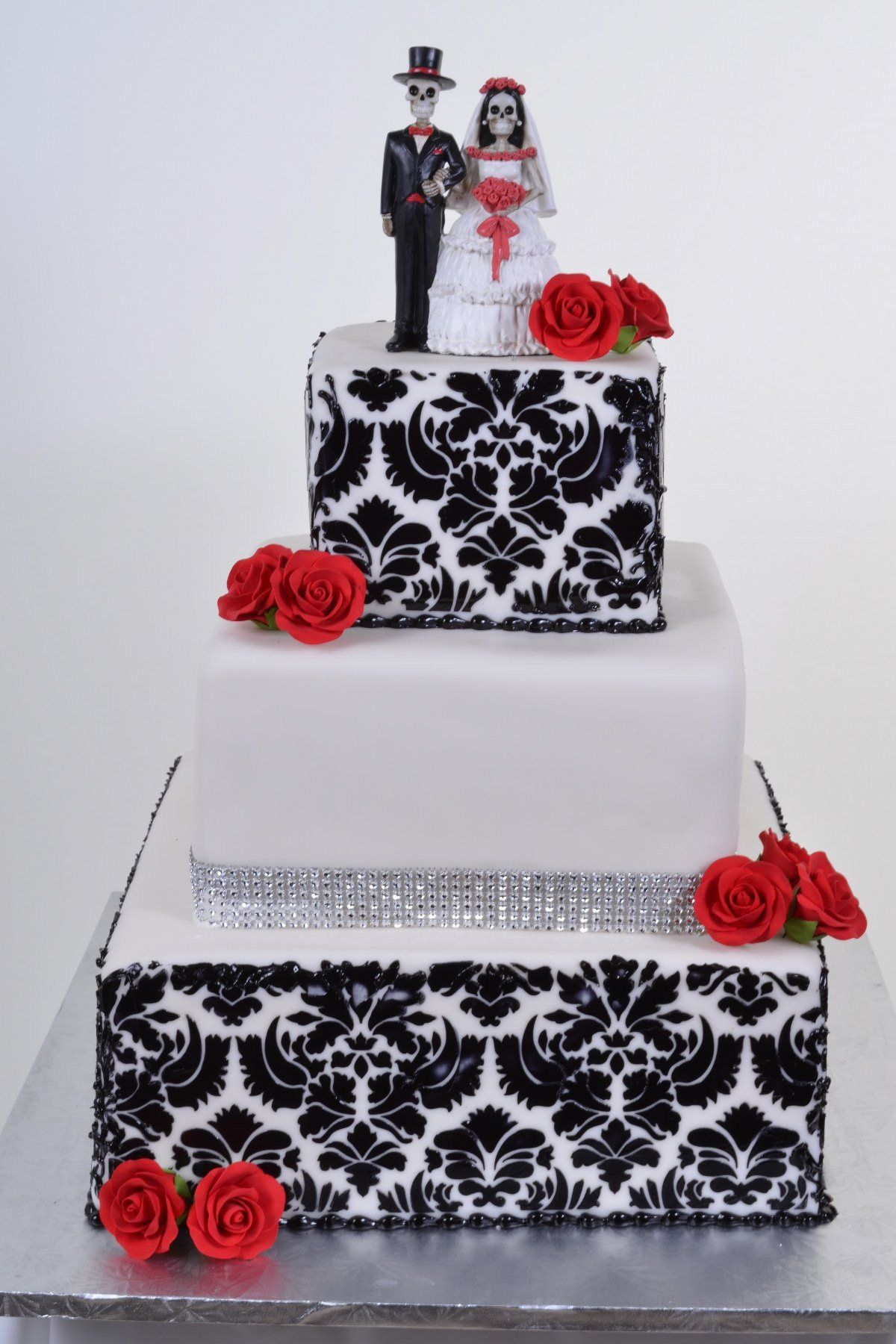 love the design on the cake not the topper though | I\'ll have my ...