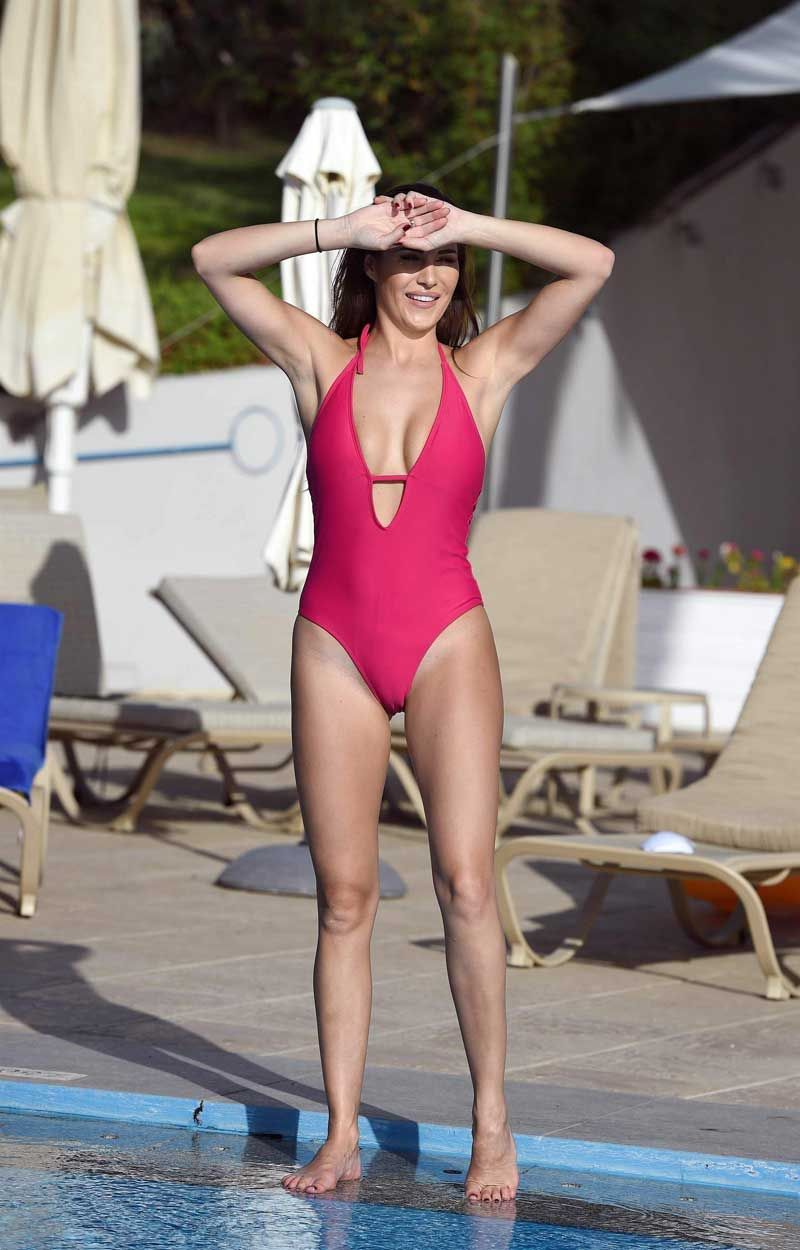 Chloe Goodman Cameltoe In Red One Piece Swimsuit  Tan -1653