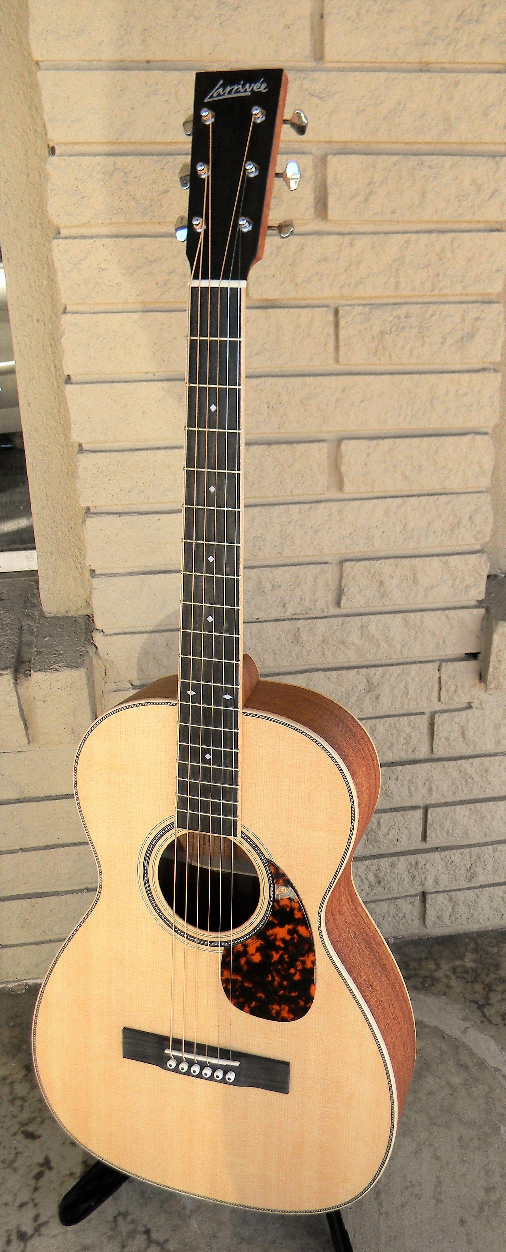 Larrivee Guitars San Antonio Guitar Store Guitar Tex Guitar Guitar Store Acoustic Guitar