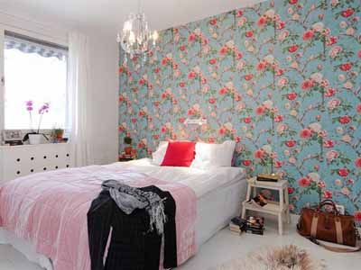 Floral Wallpaper And Paint Combination Ideas Bedroom Wallpaper Blue Pink Flowers Wall Decoration Hannah Dreamy Bedrooms Wall Decor Bedroom Bedroom Vintage
